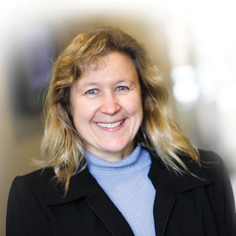 Dr. Annette von Jouann