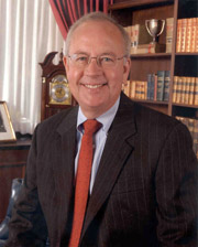 Judge Ken Starr - 180 wide