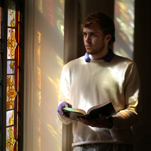 Stained glass reader
