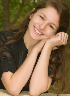 Shelby Lunderman Headshot