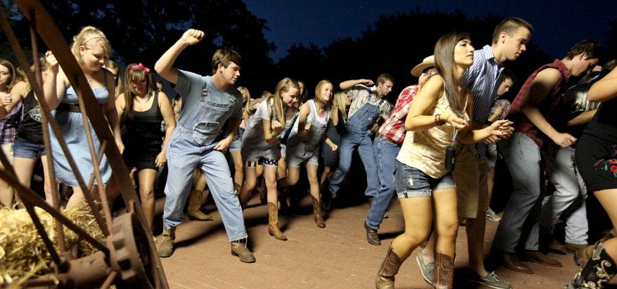 Howdy Dance