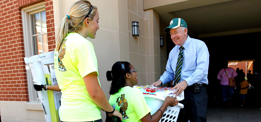 Move-in Day with Judge Starr