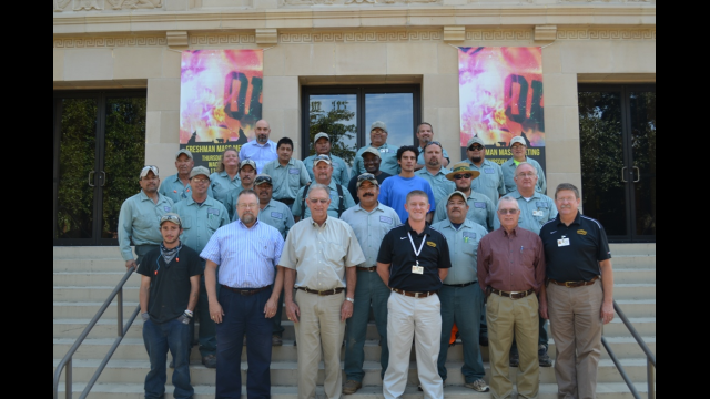 Full-Size Image: Baylor Facilities Grounds Crew
