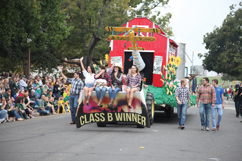 homecoming_float