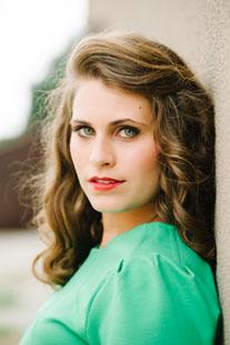 Samantha Wendling Headshot