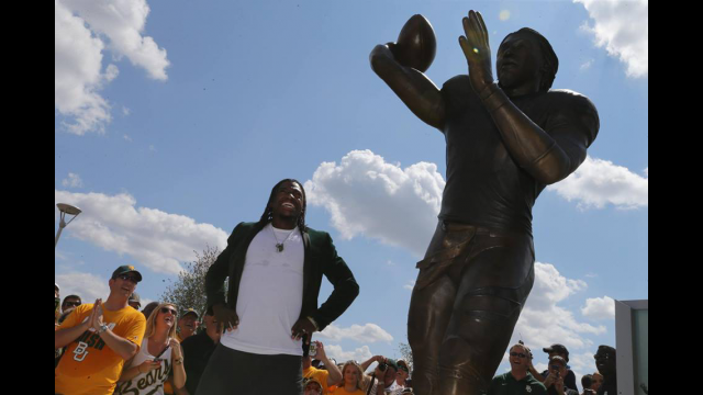 Statue of Robert Griffin III Unveiled at Baylor's McLane Stadium