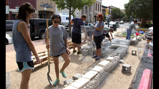 Baylor Interior Design Students Dream Up and Construct Grassroots Project in Downtown Waco
