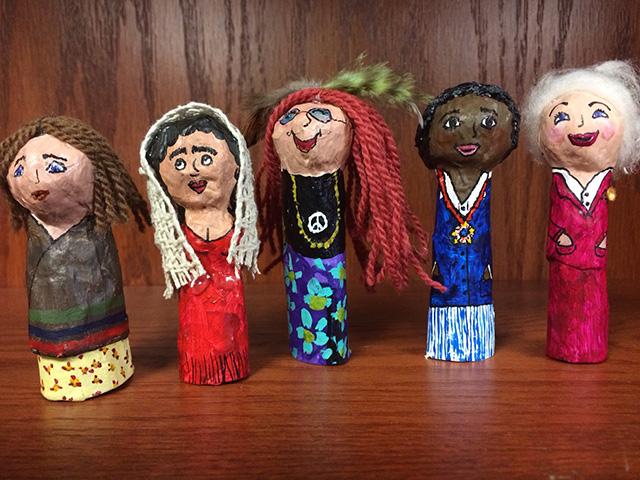 Lois finger puppets