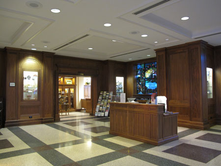Cox Reception Hall/Gift Gallery