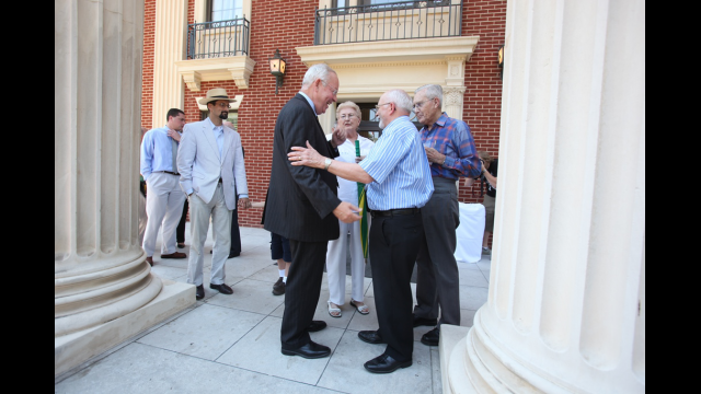 President Starr Greets Faculty on First Day