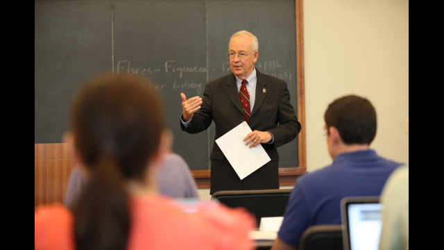 President Starr Teaches Con Law