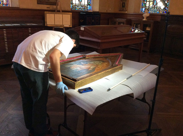 Examining Italian Renaissance Painting in Armstrong Browning LIbrary