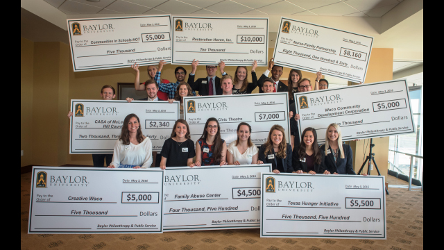 Baylor Philanthropy Lab Students Present $52,250 in Grants to Local Nonprofits