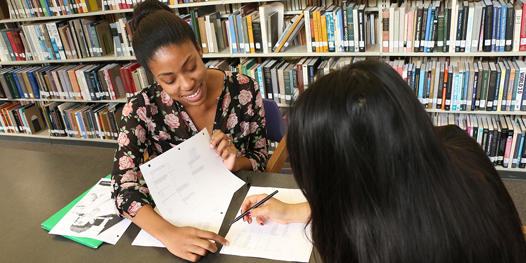 EnAbled tutor works with high school student