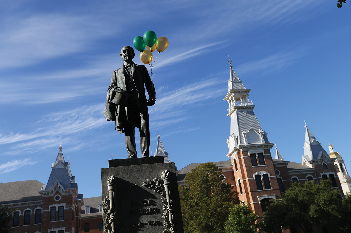 The Baylor family returns to campus