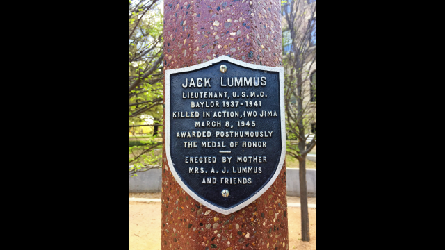 Jack Lummus Lamppost Plaque