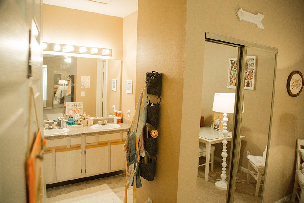 2 bedroom-Bathroom