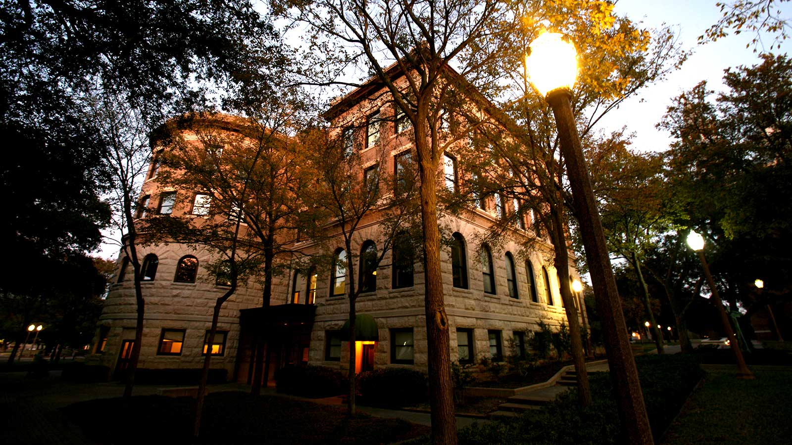 Carroll Science Hall, a Baylor addition nearly 15 years after Old Main and Burleson Hall, is the beautiful home to several Arts and Sciences programs.
