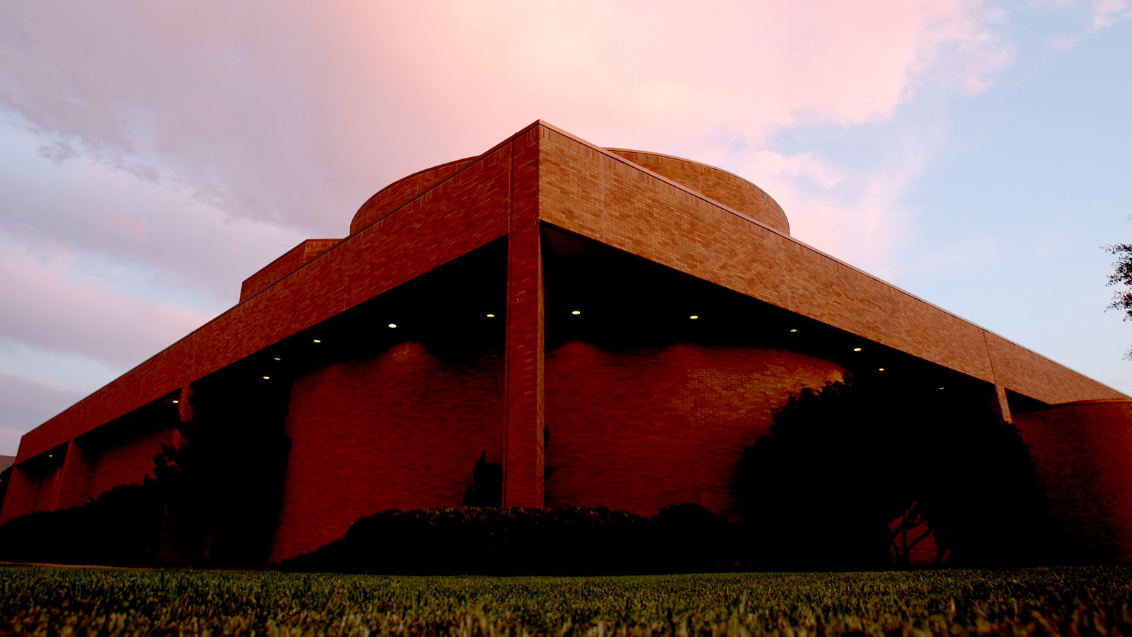 Hooper-Schaefer is home to the Baylor theatre and art departments and includes three state-of-the-art theater spaces.