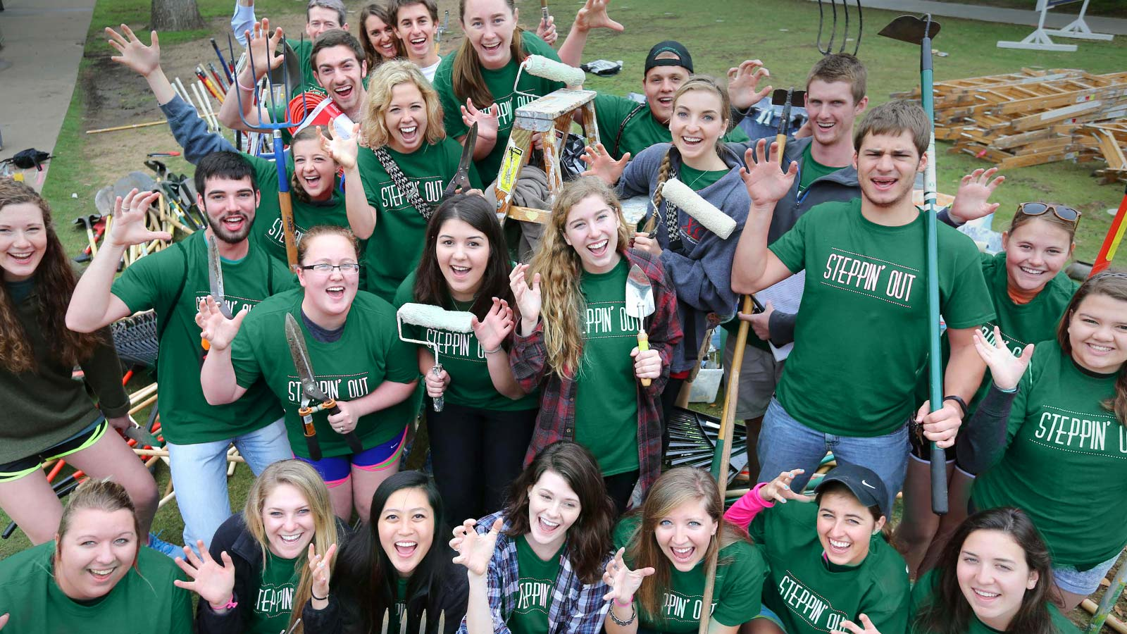 Steppin' Out strives to enhance student involvement in community service and attain community awareness, interaction and collaboration between Baylor University and the Waco community.
