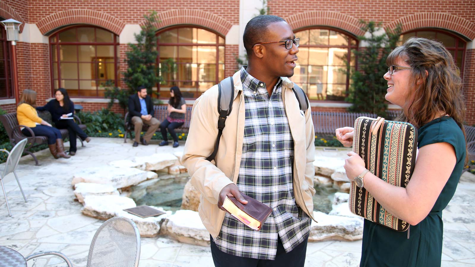 Truett Seminary students meet to grow in self-discovery, the practice of spiritual disciplines, worship and discussion, all in preparation for life in Christian ministry.