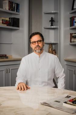 Professional Photo of Shaykh Hamza Yusuf