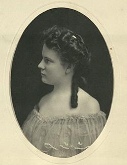 Photo of Hallie Earle
