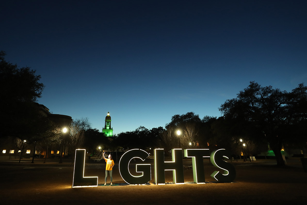 Photo spots dot campus and invite the University community and guests to be a part of #BaylorLights.