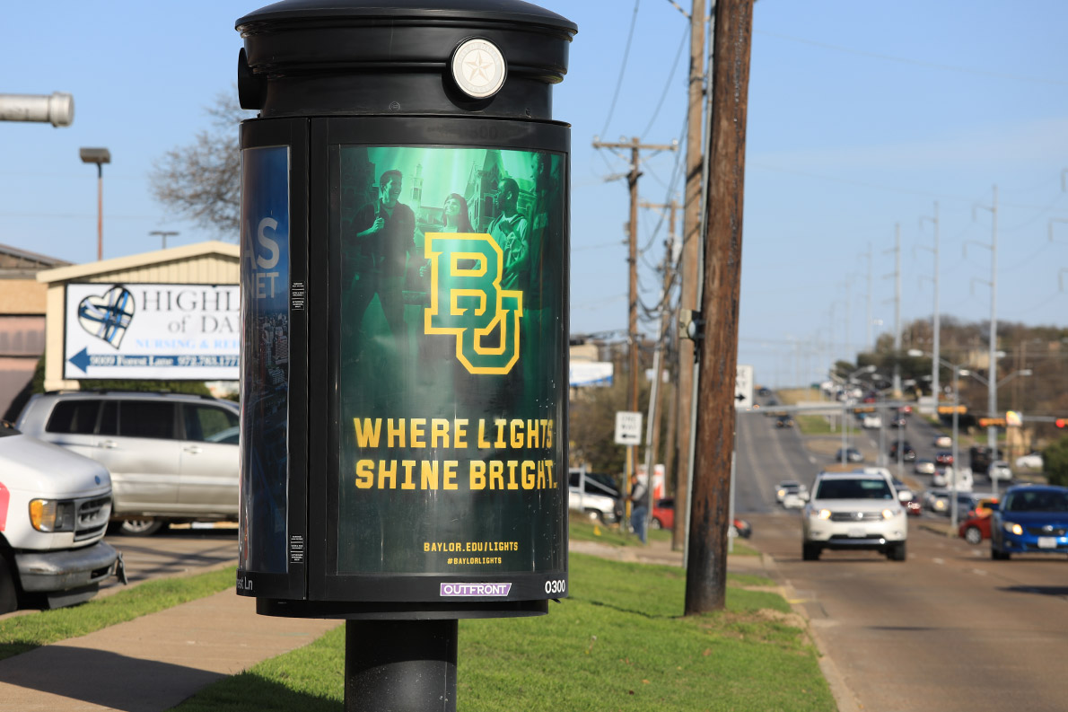 Message kiosks in Dallas and Houston help prospective students and parents see why Baylor University is a place Where Lights Shine Bright.