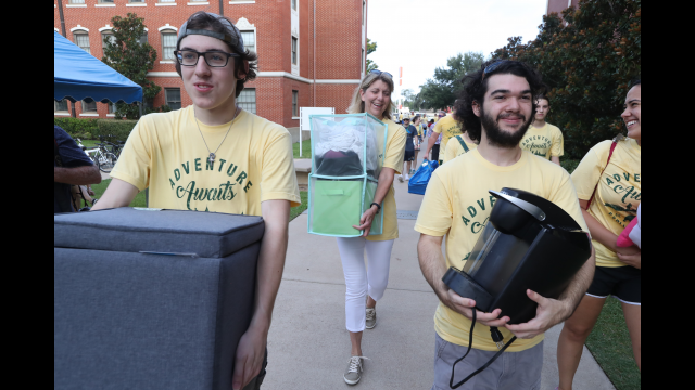 Move2BU Sparks Volunteerism Across Campus