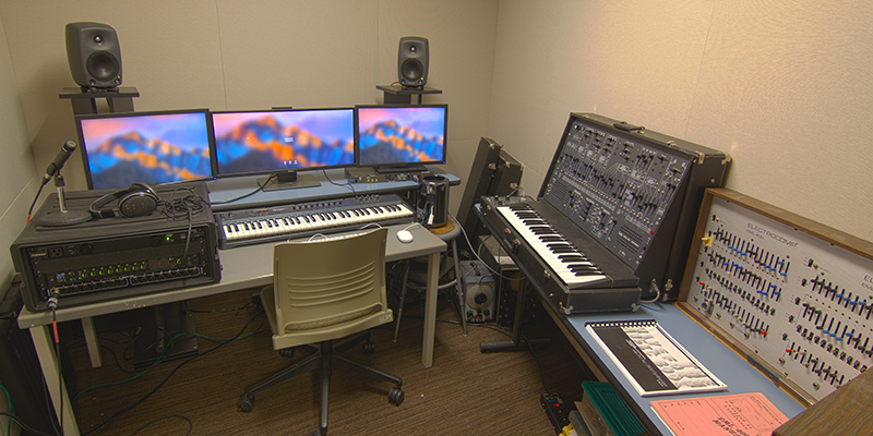 2-Channel Studio is set up