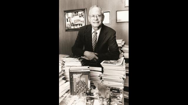 Dr. Robert Packard
