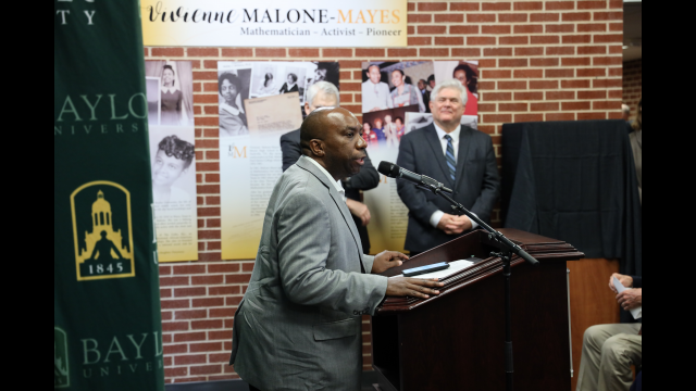 Full-Size Image: Vivienne Malone-Mayes Dr. Edray Goins
