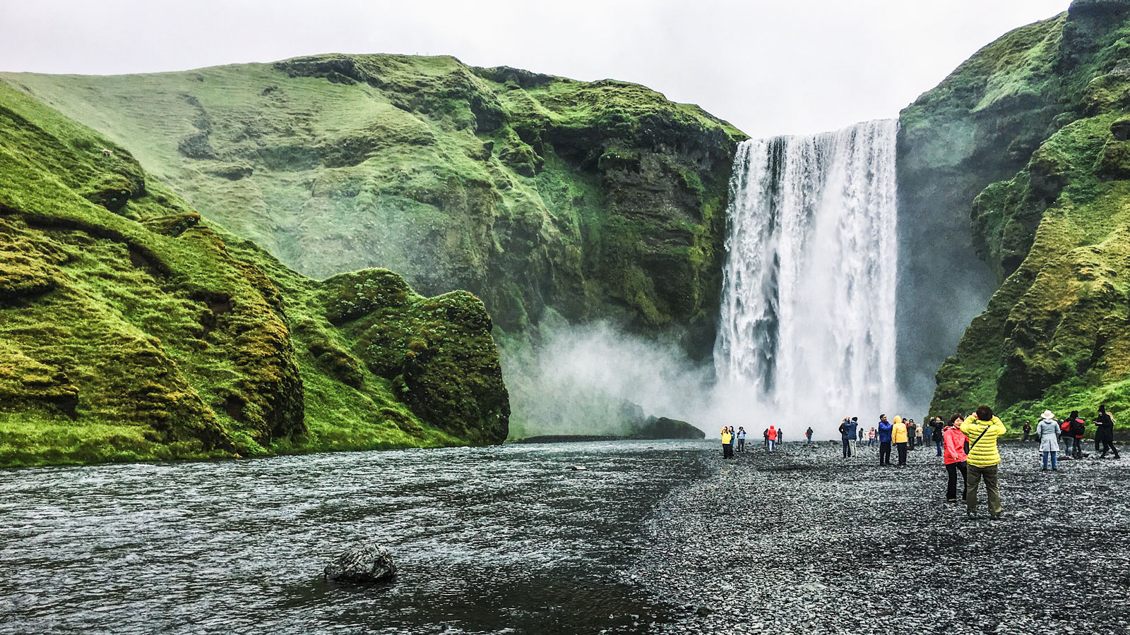 Seljalandsfoss, Iceland, Nathan Bean // Baylor in Maastricht