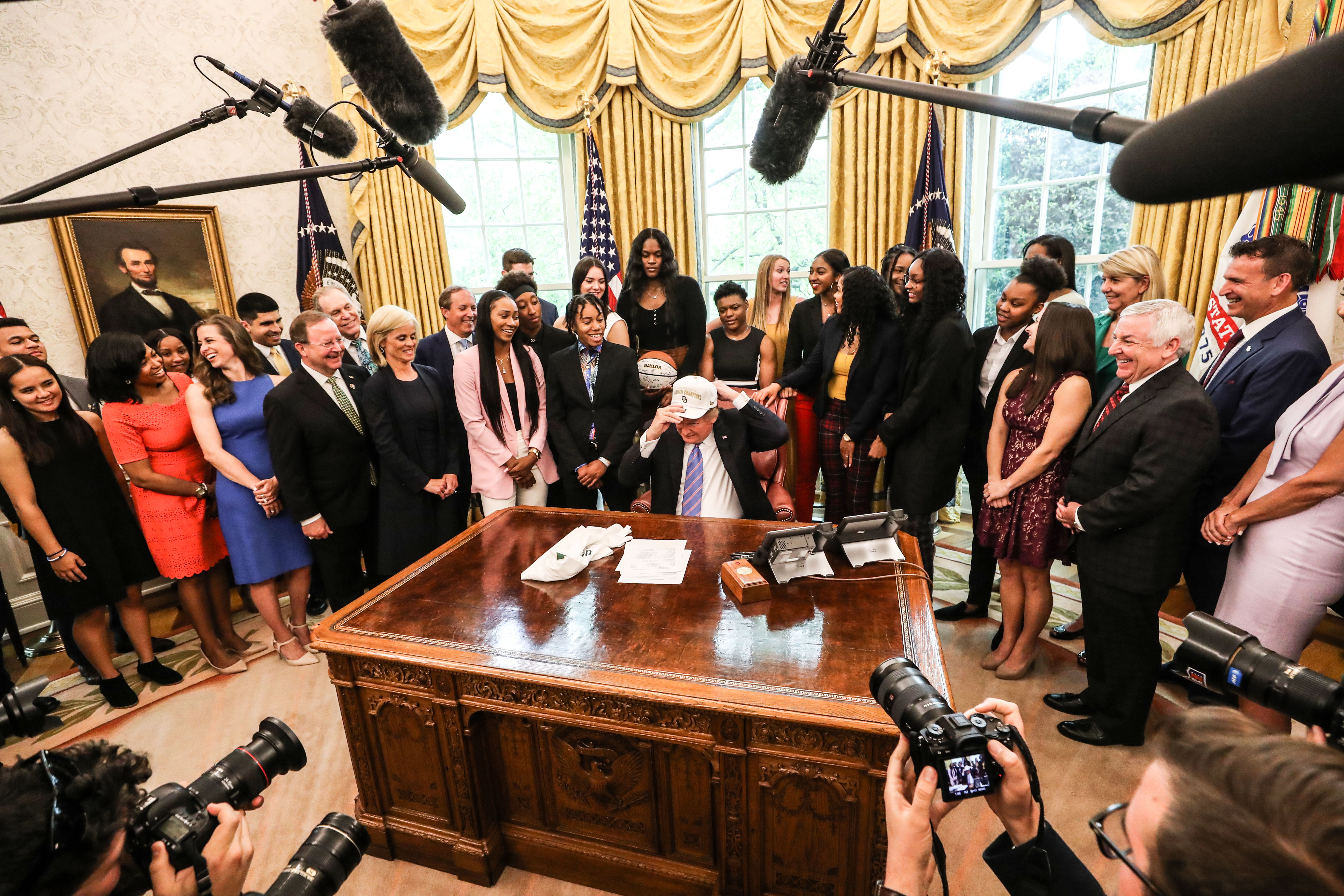 Lady Bears visit the White House