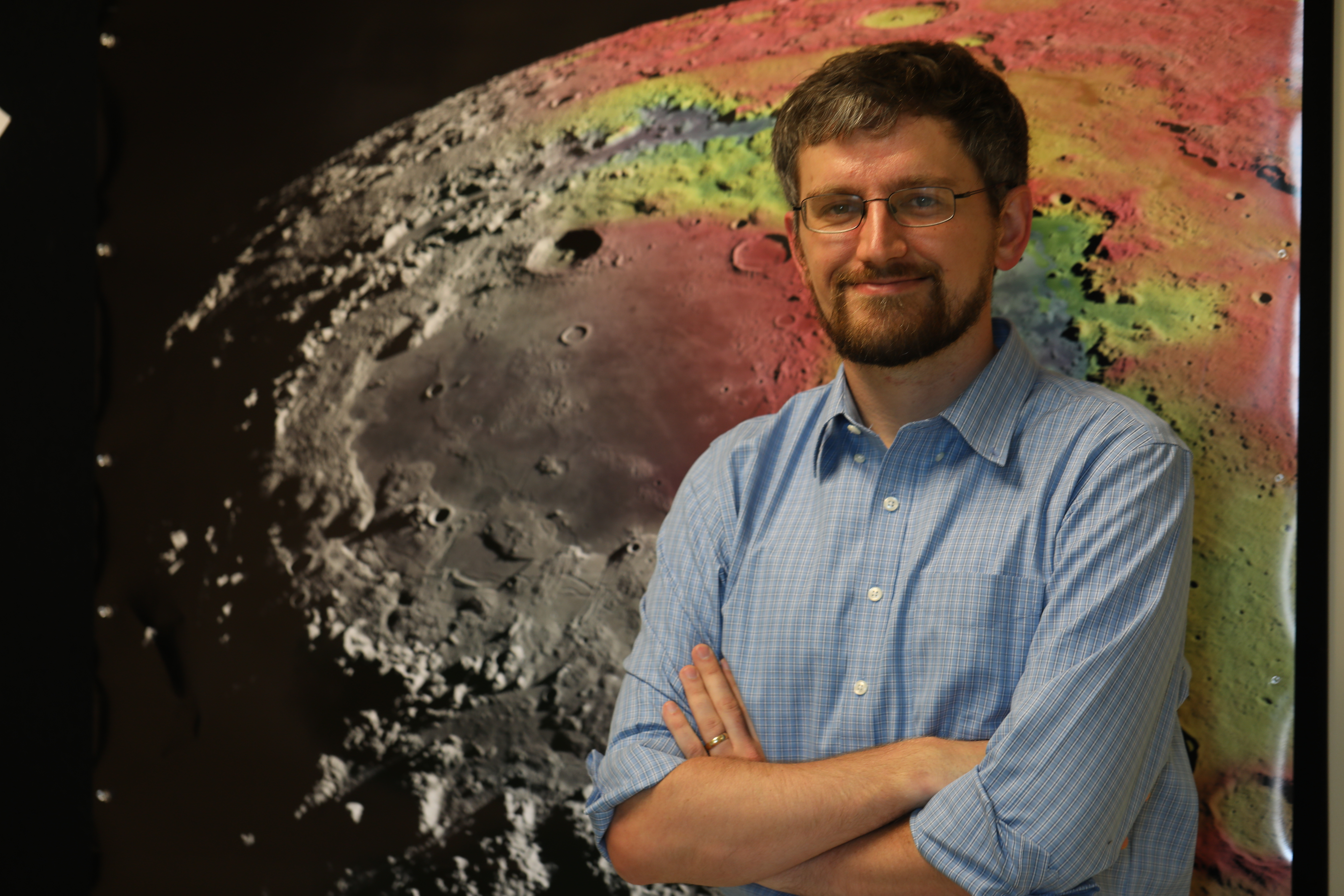 Out-of-This-World Research: Moon Investigator Sets His Sights on Mercury