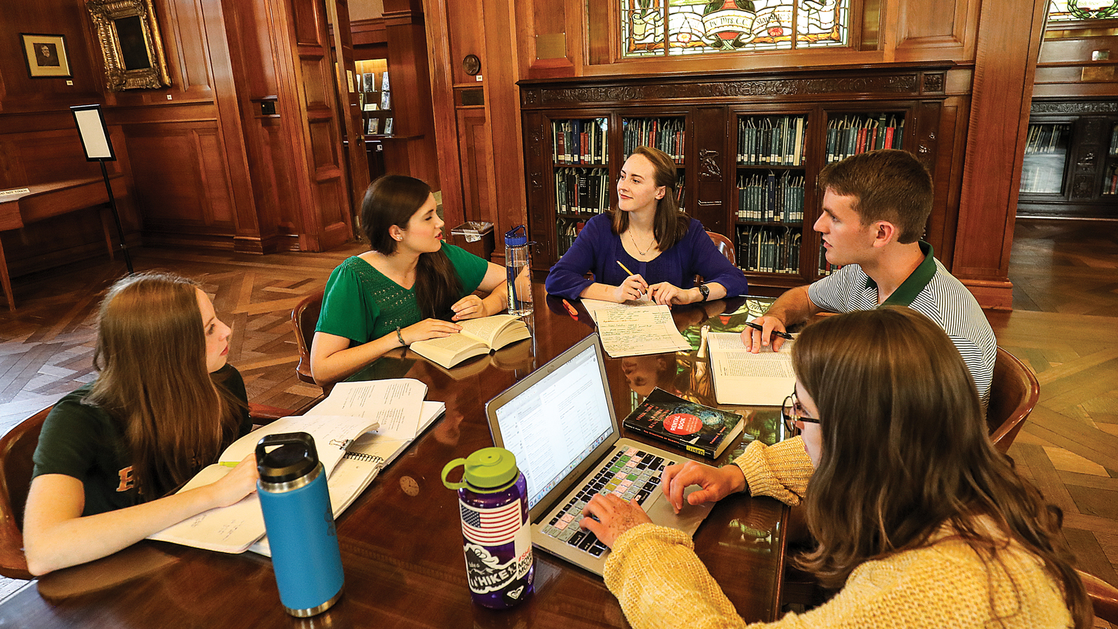 Photo of students studying in Armstrong Browning Library