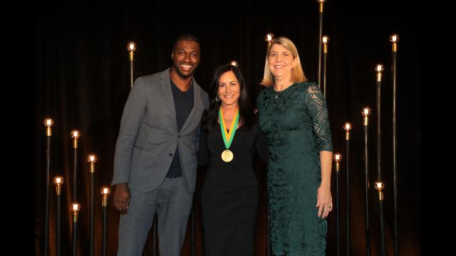 Full-Size Image: Founders Medal Paula Hurd