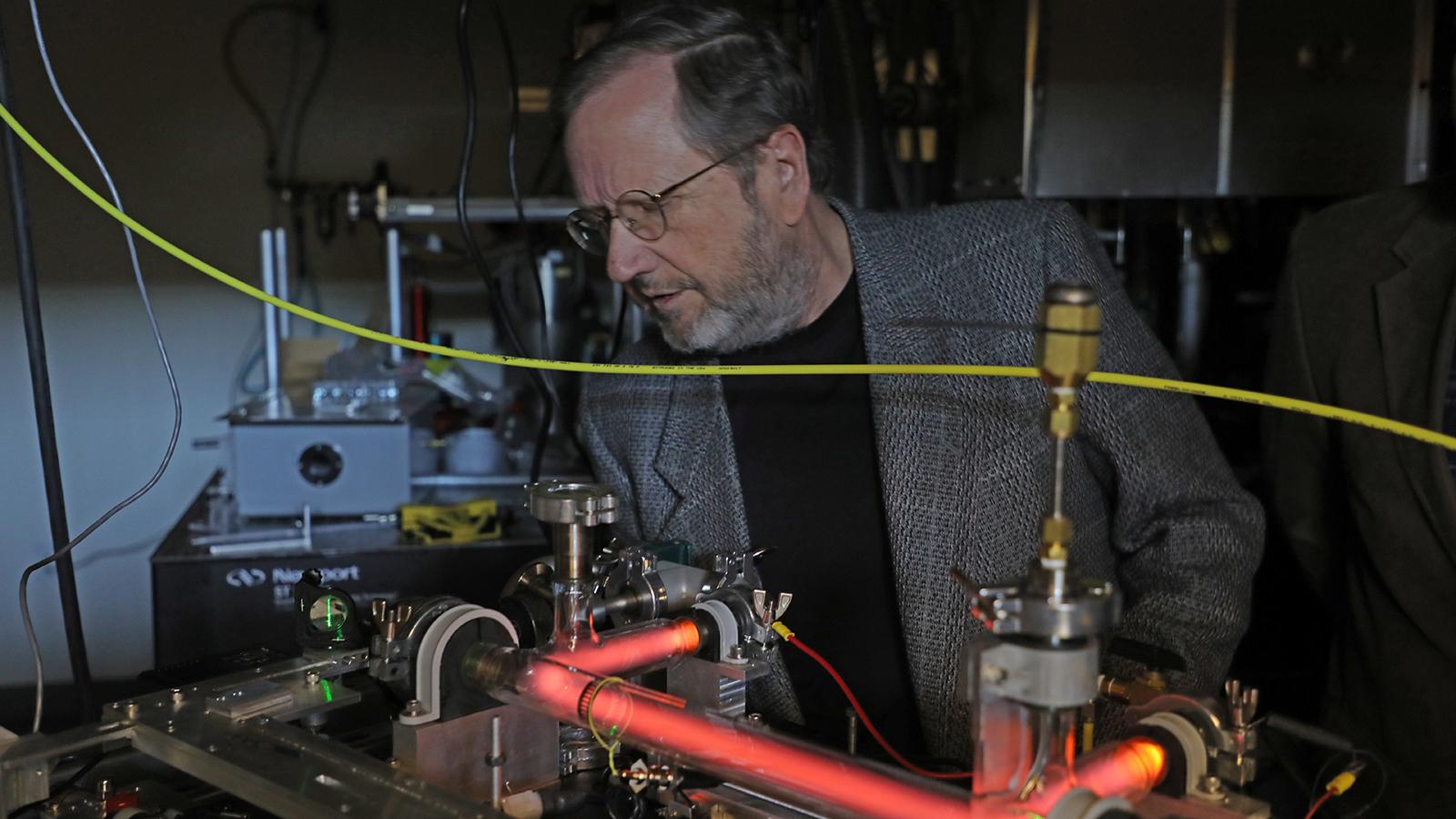 Hypervelocity Impacts and Dusty Plasma Lab