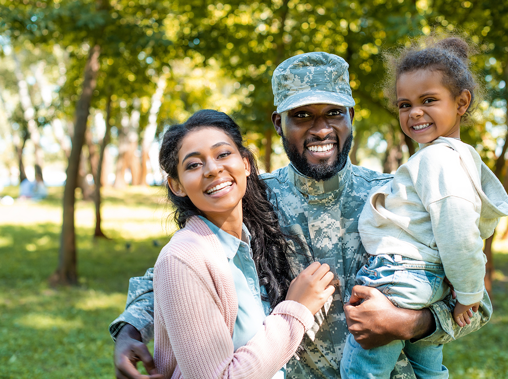 Soldier with family_1024px