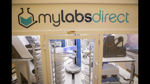Full-Size Image: 3 - Photo Baylor MLD Lab Interior Lab Space
