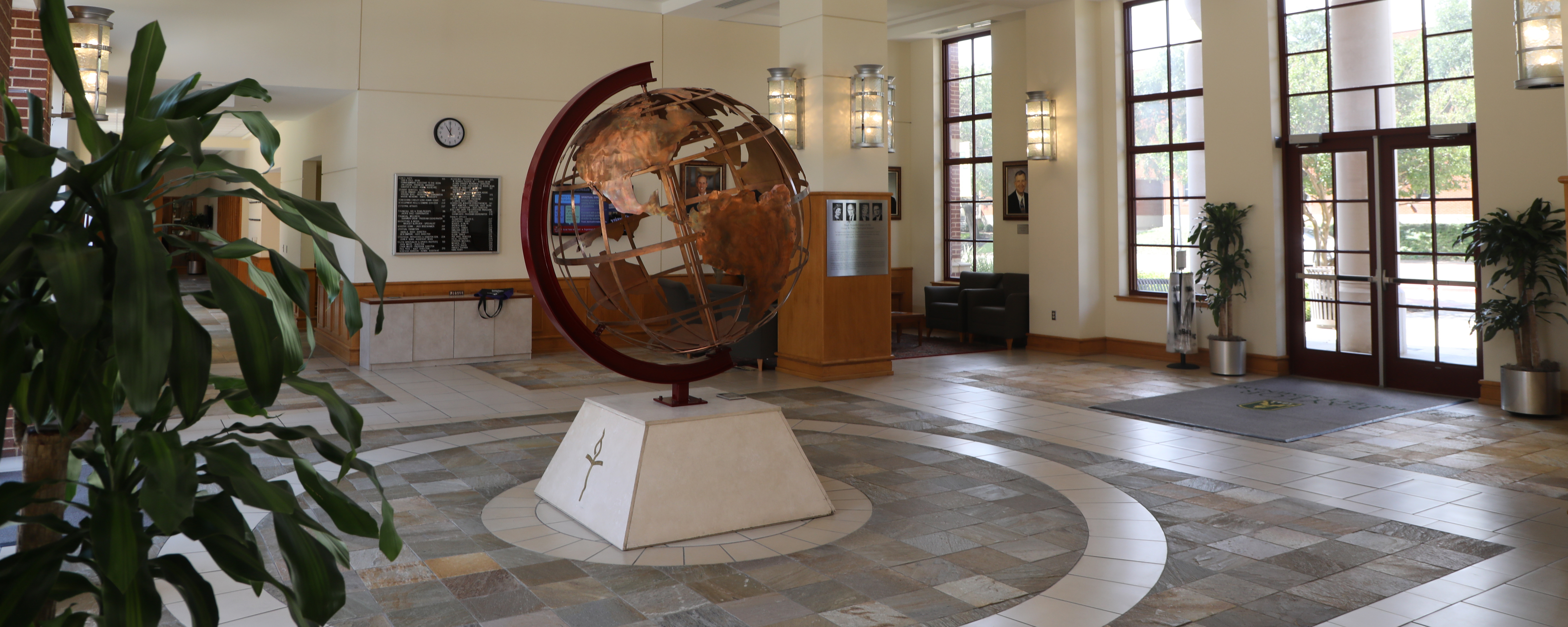 Truett Globe