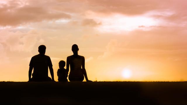 Full-Size Image: Family Sunset