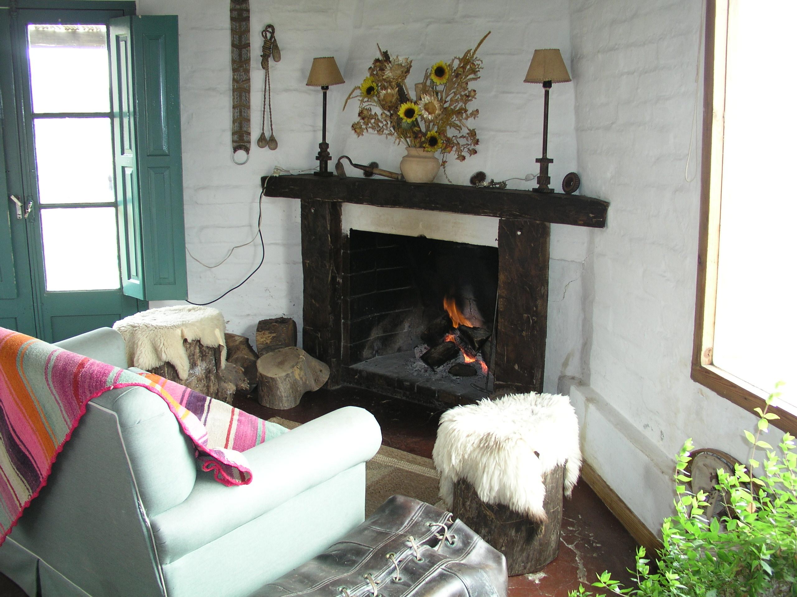 Fireplace at an estancia (w x h, 0 KB)