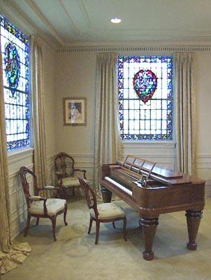Furnishings-Salon Piano