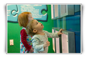 children in the invertebrate room